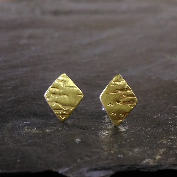 Brass Diamond studs with cloud pattern