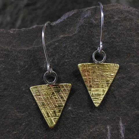 Brass Cross-hatch hammer texture triangle earrings