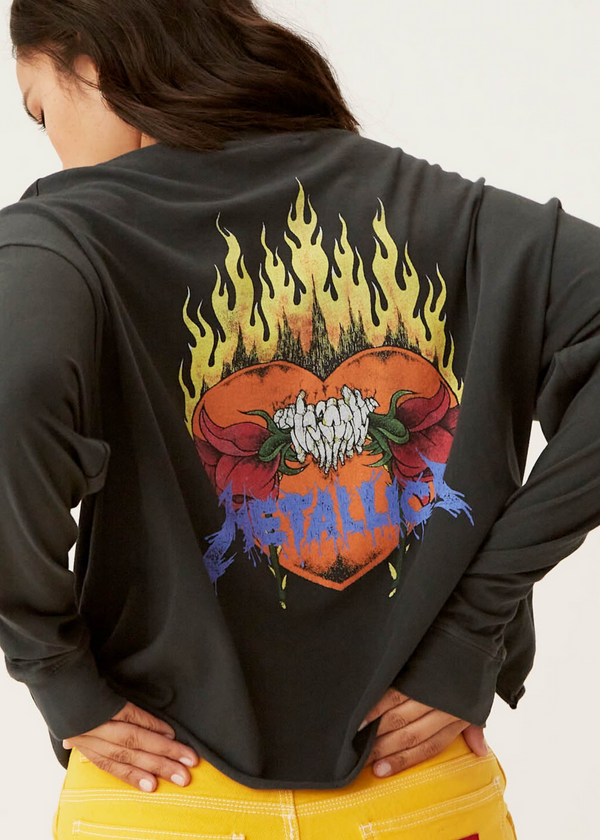 DAYDREAMER | Metallica Flaming Skull Oversized Long Sleeve