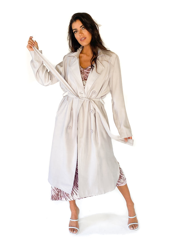 GENTLE FAWN | Strauss Trench Coat in Pearl Grey