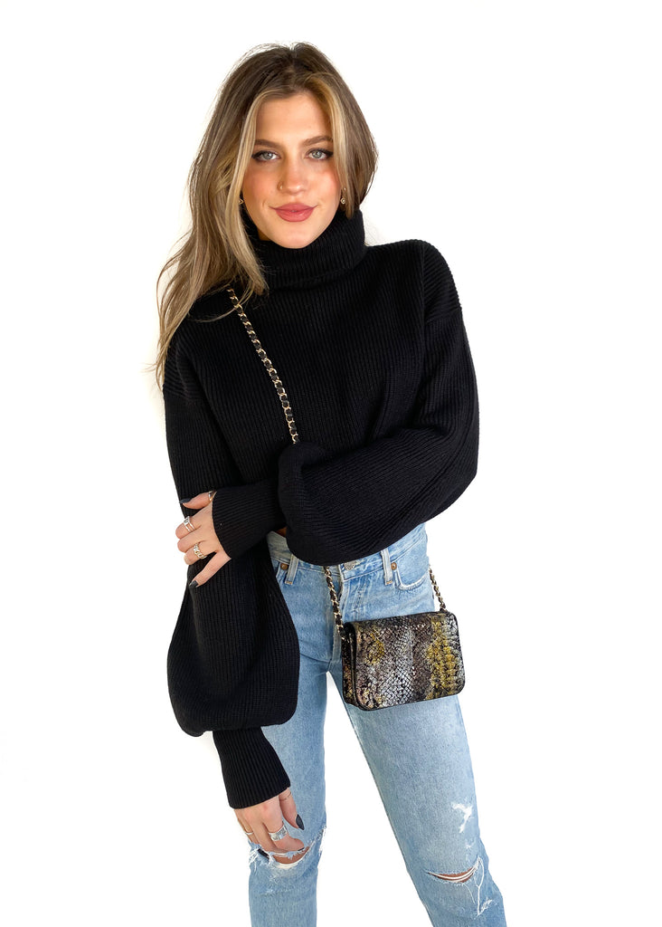 MOODIE | Cropped Turtleneck Sweater in Black