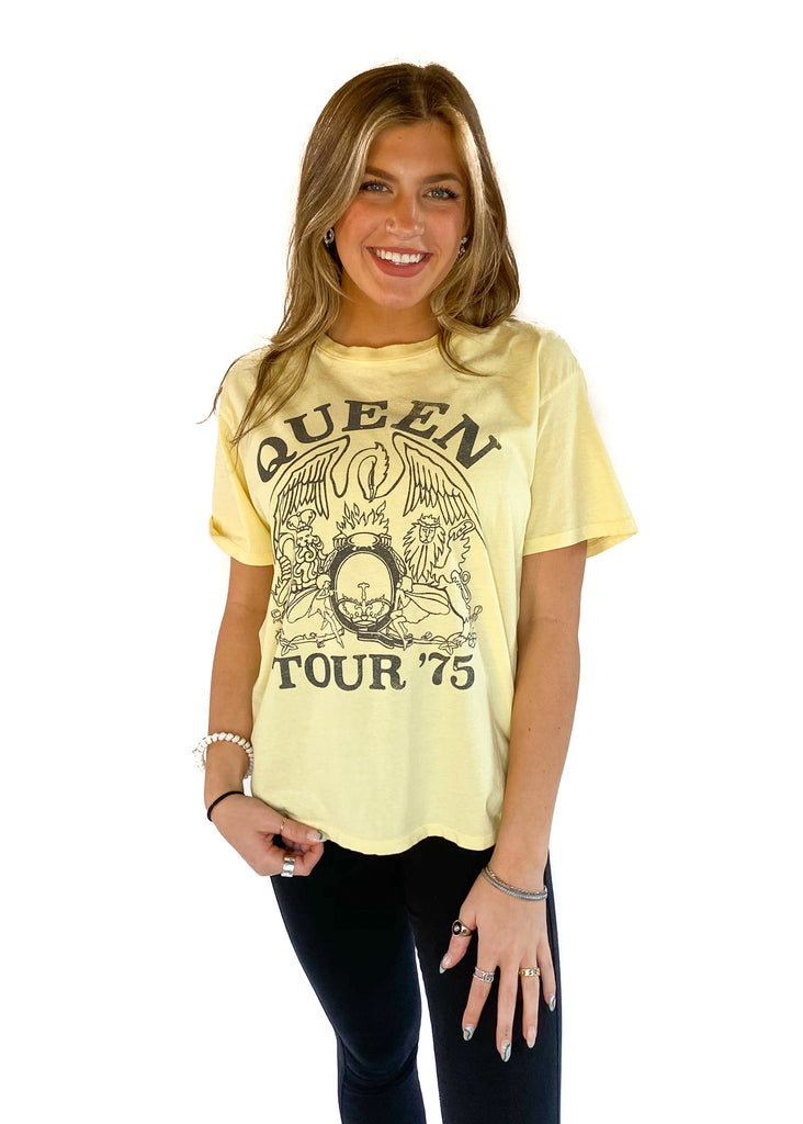 DAYDREAMER | Queen Tour Boyfriend Tee