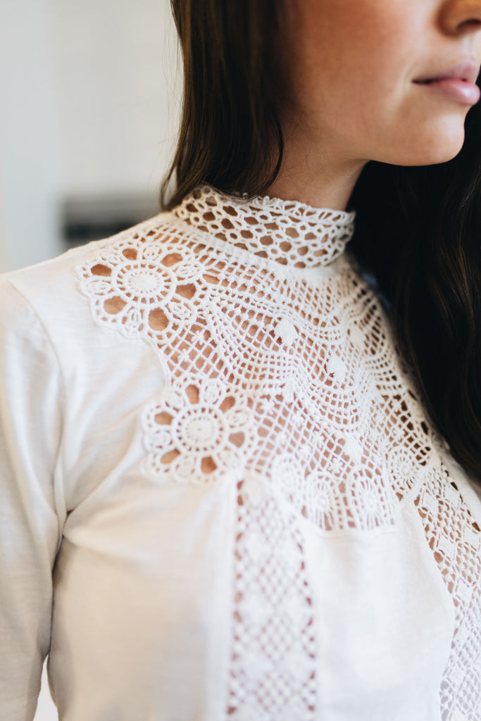 SCOTCH & SODA | High Neck Lace Top