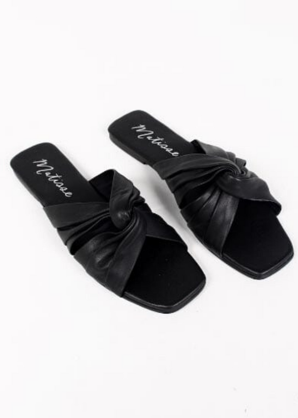 black leather sandal twist square toe