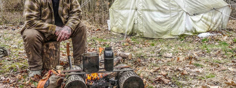 Essential Survival Gear for a DIY Bushcraft Camp