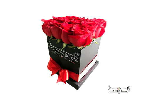 Square Box M 16 Rosas Rojas