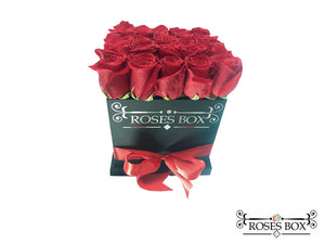 Square Box L 24-26 Rosas Rojas