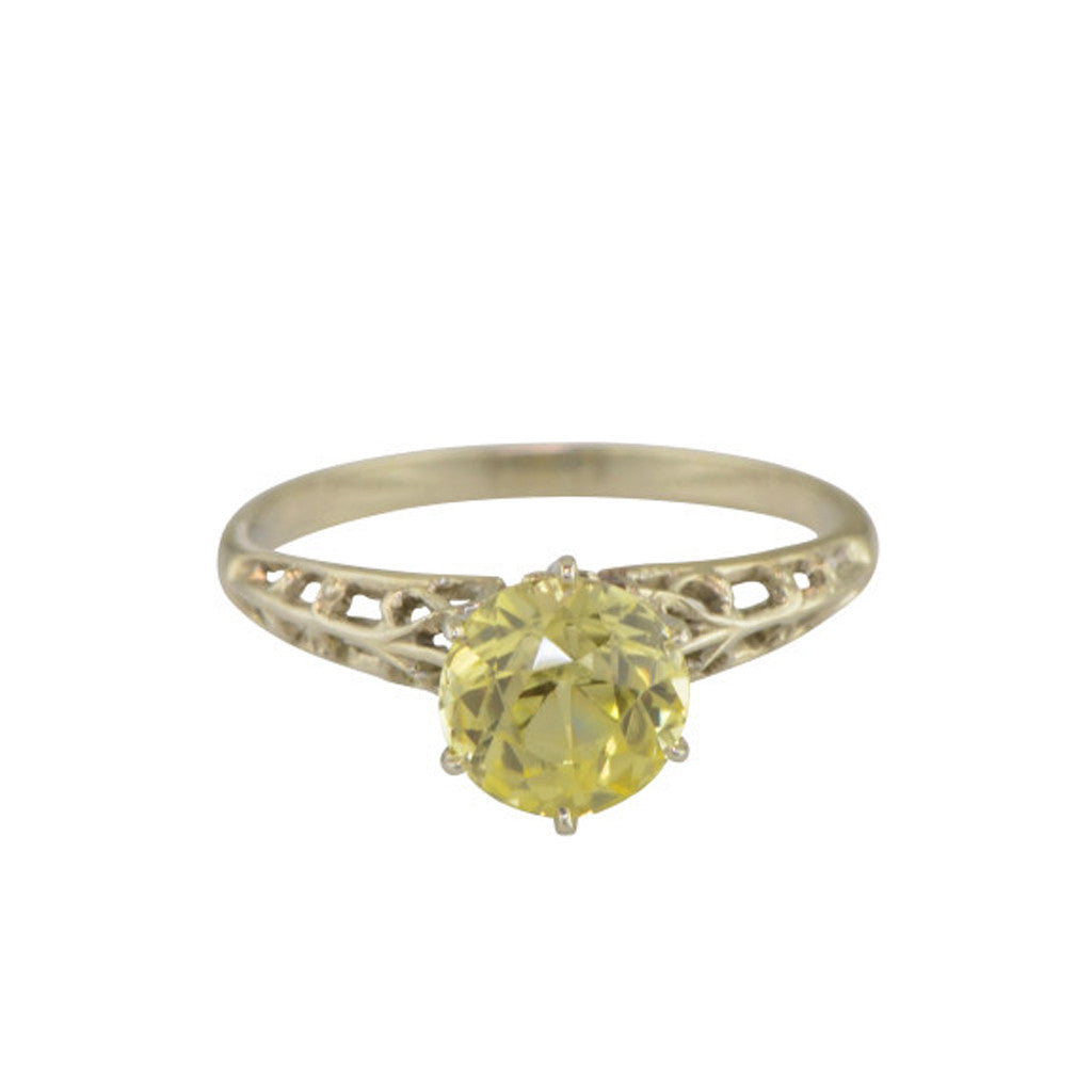 Antique 18k white gold ring with Chrysoberyl