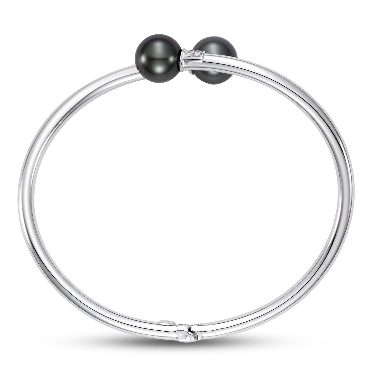 Black Tahitian pearl and White gold bracelet.