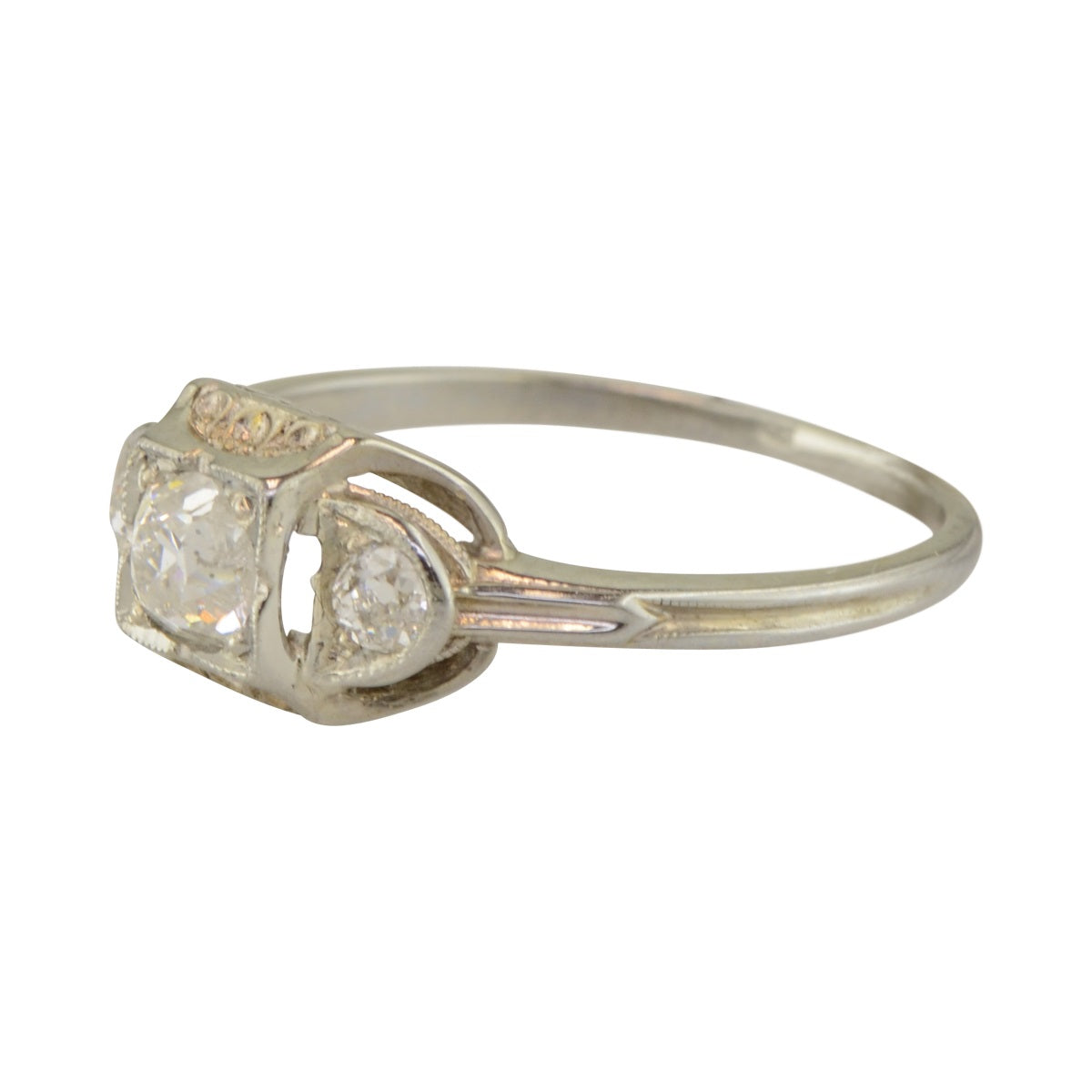 Origional Art Deco Engagement Ring in White Gold with Diamonds