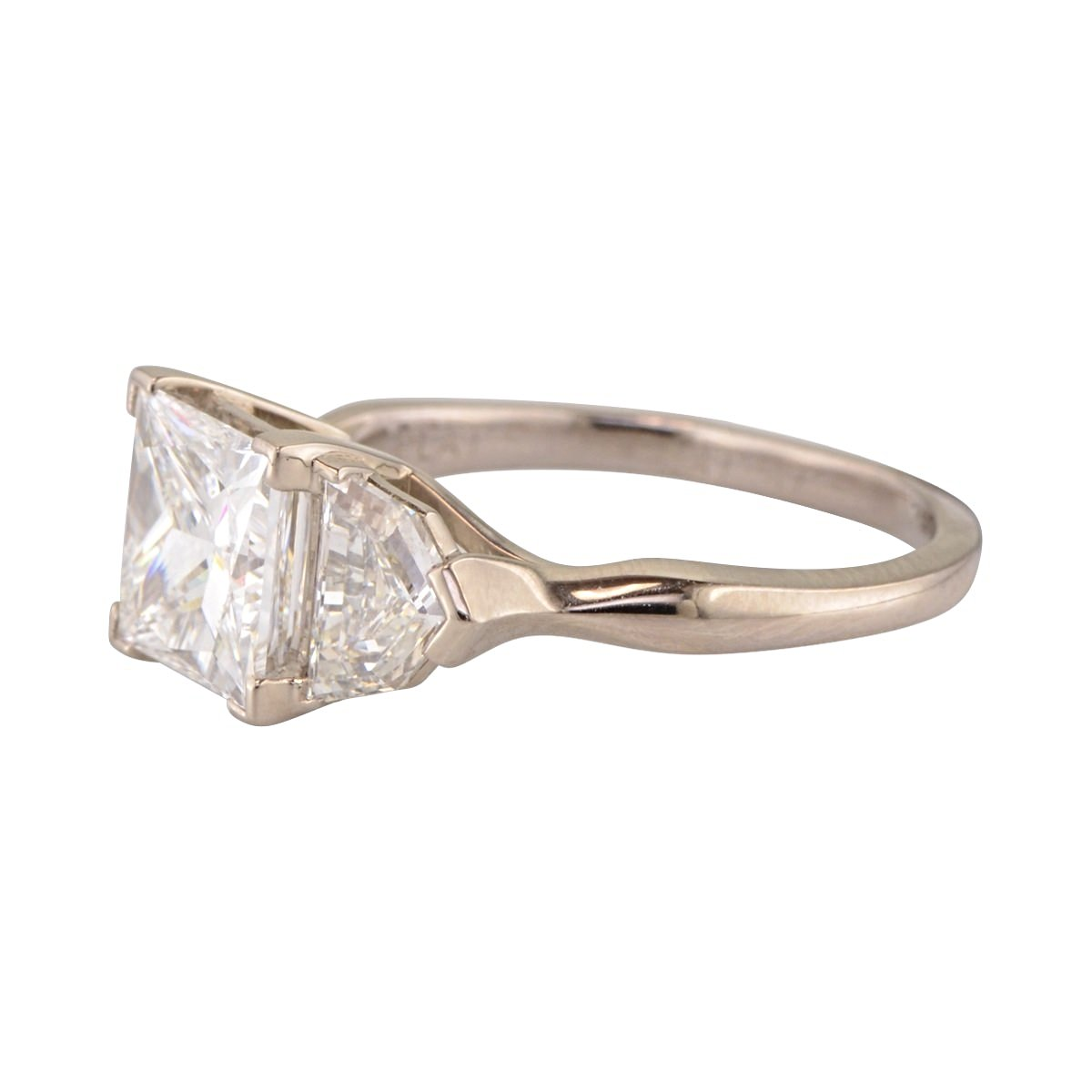 Three Stone Engagement ring 'Florin' with princess cut diamond.