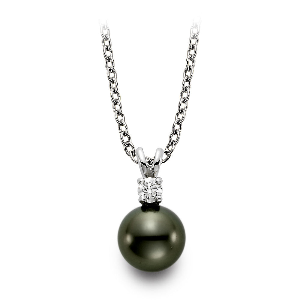 Tahitian Pearl and diamond pendant in 18k white gold.