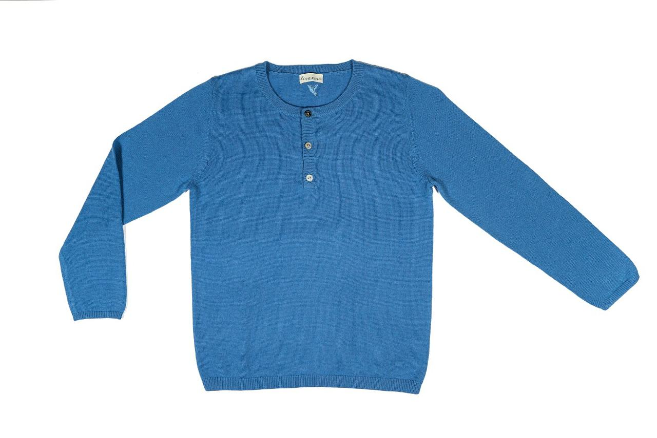 Sweater with three buttons