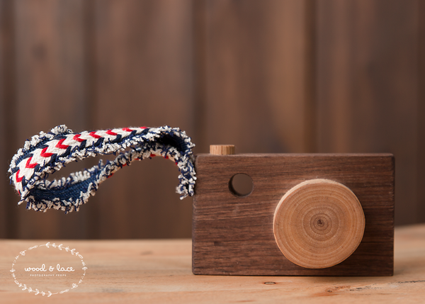 WOODEN CAMERA - Wood & Lace Photography Props