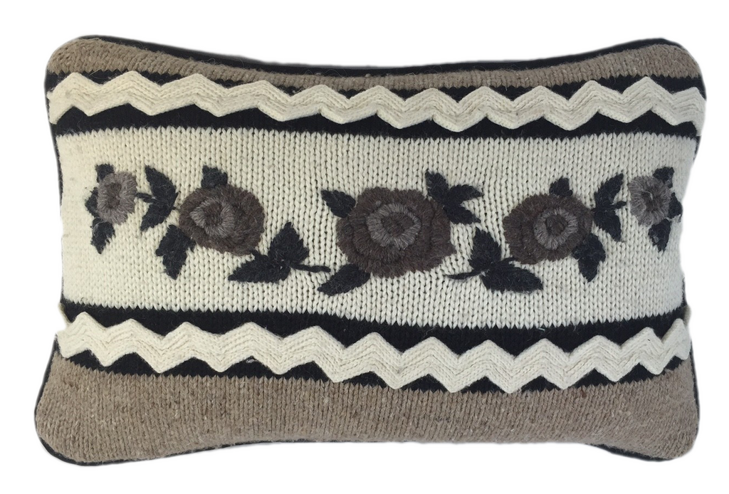Sweater knitted panel with flowers