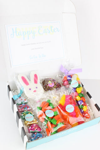 Make sure your littlest' bunnies have a hip hoppin' Easter with this yummy box of goodies.  8oz Jelly Beans, 3oz gummy carrots, 3oz gummy bunnies, 1oz chocolate Easter pop, Bunny Lollipop, 3oz Milk Chocolate Foil Bunnies