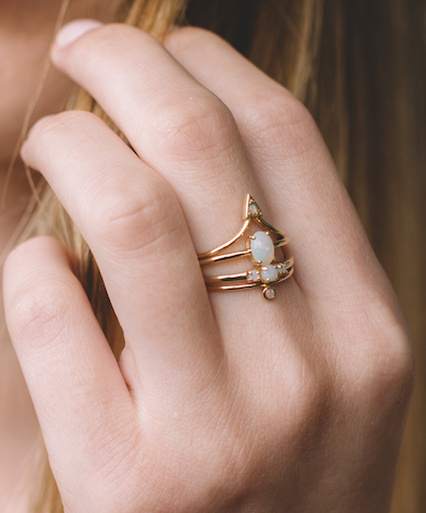 Isabelle ring (opal)