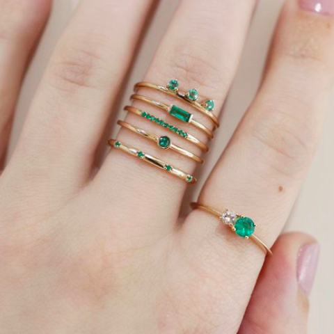 Lily ring (emerald)