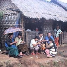 Female dealers at Penyan Gy in 2004