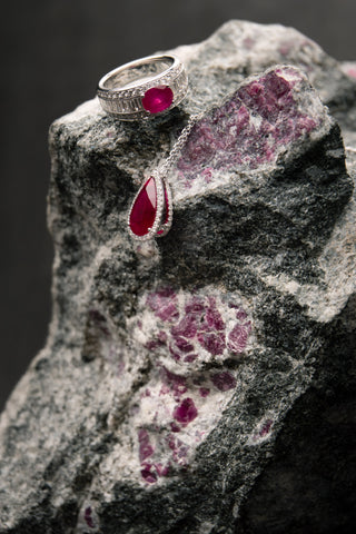 From rough to jewellery, a Greenland Ruby A/S specialty