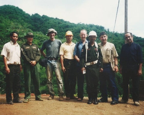 Hemi with Vincent Pardieu, Ted Themelis and Co in Phakam in 2004