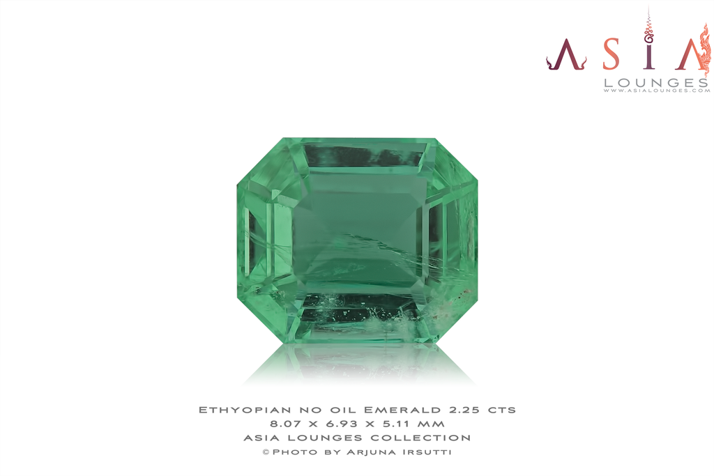 Ethiopian No Oil Green Emerald 2.25 cts - Asia Lounges