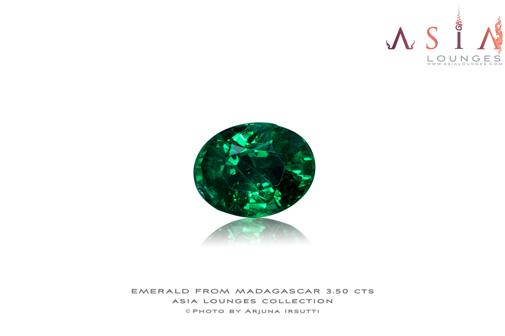 Madagascar No Oiled Vivid Green Emerald 3.50 cts - Asia Lounges