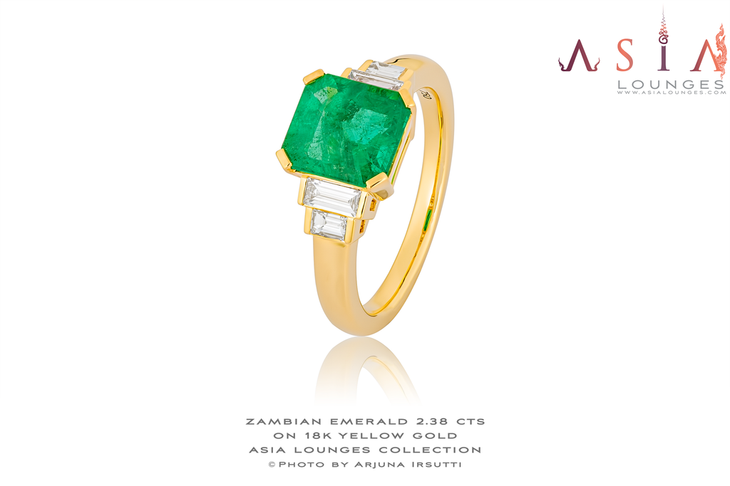 Classic and Elegant Zambian Emerald Ring and Diamonds on 18k Yellow Gold - Asia Lounges