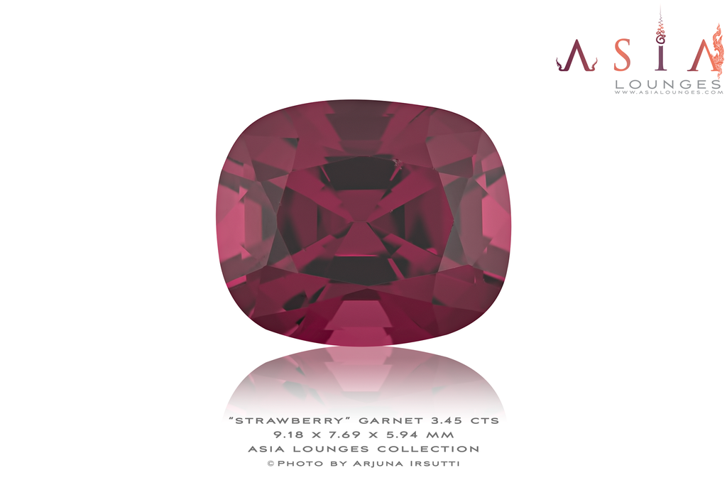 Tanzanian Strawberry Garnet 3.45 cts - Asia Lounges