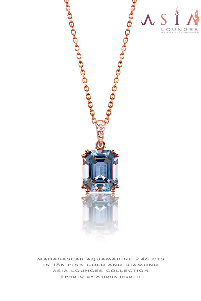 Natural Madagascar Blue Aquamarine Set in 18K Pink Gold and Diamond Pendant