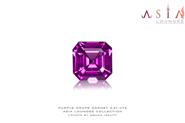 "Mozambique ""Grape"" Garnet 2.31 cts - Asia Lounges"