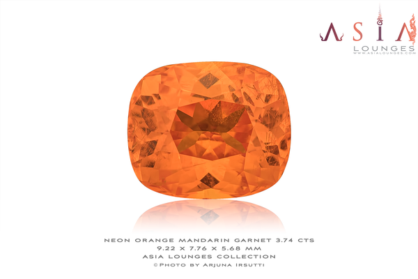 Superbe Neon Orange Tanzanian Mandarin Garnet 3.74 cts - Asia Lounges
