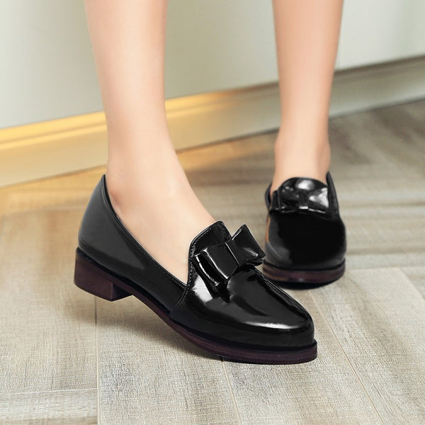 Patent Leather Bow Medium Heel Shoes for Woman 6236