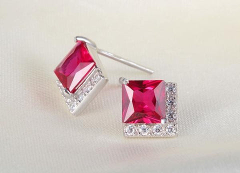 Passione Stud Earrings