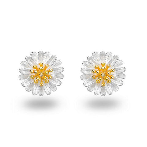 Daisy Delight Stud Earrings - VivereRosse