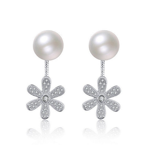 Sweet Daisy Pearl Earrings