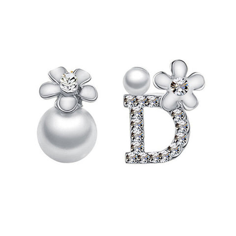 De Fleur Pearl Stud Earrings