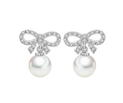 Dream Pearl Bow Stud Earrings