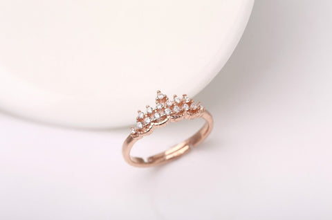 Vivere Rosse Princess Tiara Ring - Rose Gold