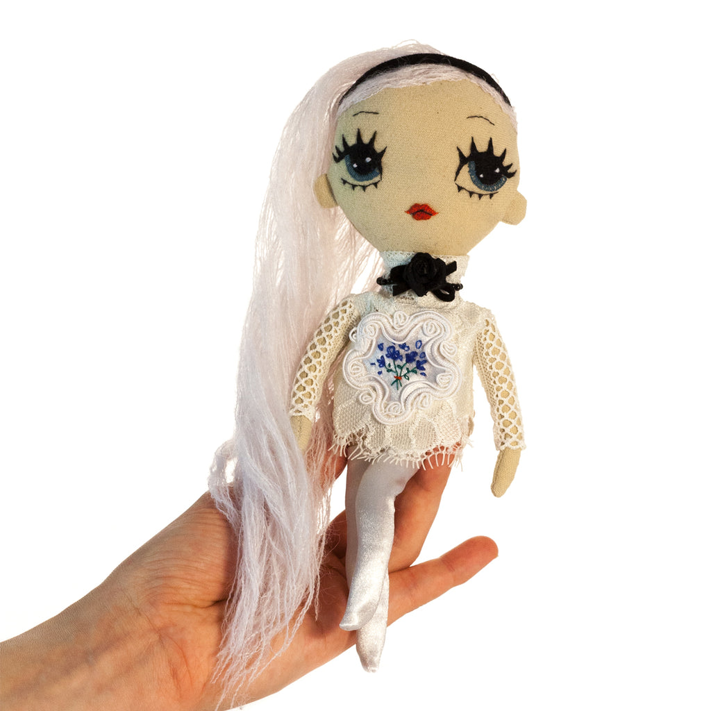 Lilly - Soft Small Doll