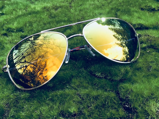 Mirrored women's sunglasses like these help you see the world in a whole new light and know that life is good. Uber groovy Aviator vintage style.
