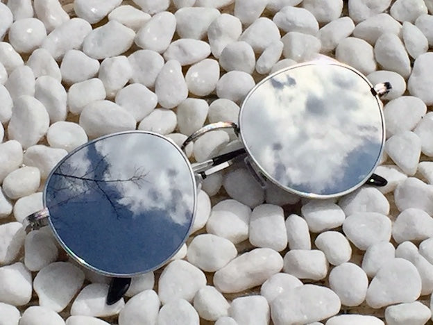 We know who's the loveliest - it's YOU in our Mirror Mirror sunglasses with silver frame and UVA/UVB protection