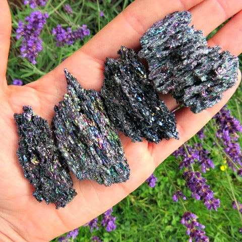 Black Rainbow Carborundum Crystal | Silicon Carbide Stone