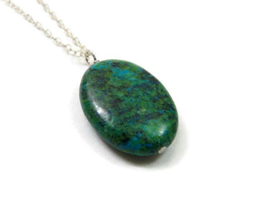 Green Stone Crystal Chrysocolla Necklace - Side