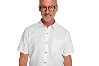 Men's Short Sleeve Shirt the Radium Short Sleeve Hemp and Organic Cotton Shirt by Fisher + Baker White Left Front Pocket and Point Collar