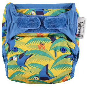 close pop in parrot print nappy