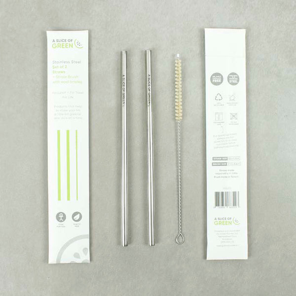 Stainless steel straws and cleaning brush in box