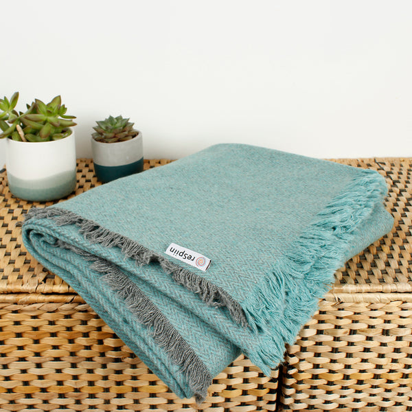 Respiin Recycled Wool Throw - Aqua