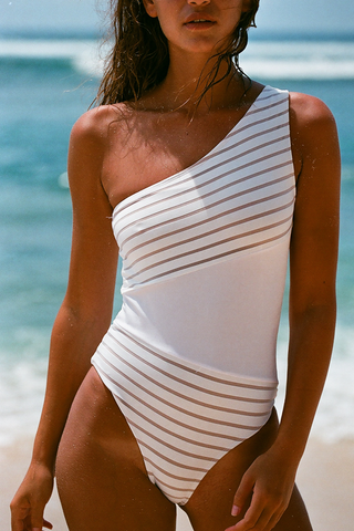 KARMIN ONE-PIECE