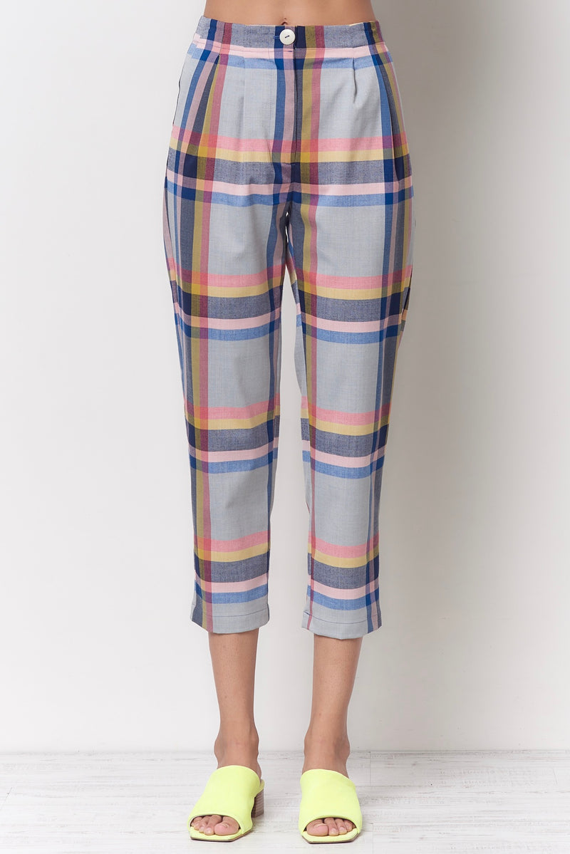 SHEILA Carrot Pleated Pant - Plaid